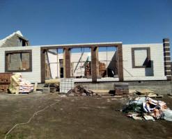 Строительство одноэтажного коттеджа из белого силикатного кирпича
