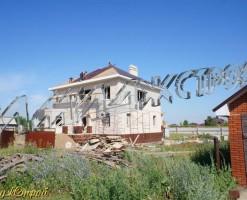 Коттедж с двумя эркерами в Шмидтово