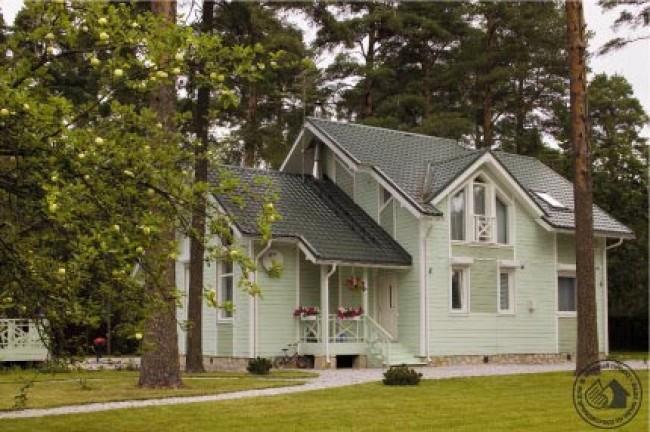 Дом с перголой