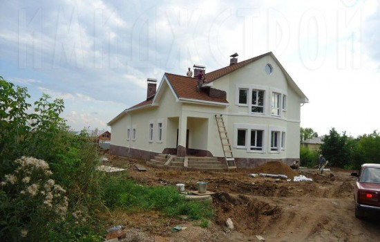 Дом с бассейном в Уптино