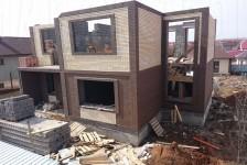 Строительство двухэтажного дома из кирпича