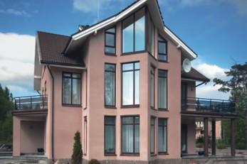 Современный трехэтажный коттедж