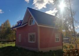 Процесс строительства небольшого домика в Салавате